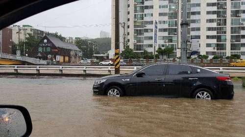 キョンサン南道の巨済市_洪水1.jpg