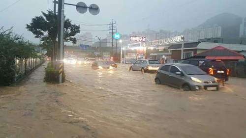 キョンサン南道の巨済市_洪水3.jpg