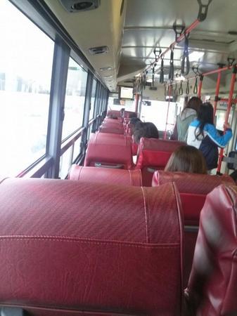 バス占領した韓国女たち4.jpg