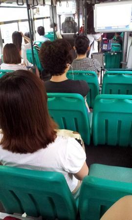 バス占領した韓国女たち5.jpg