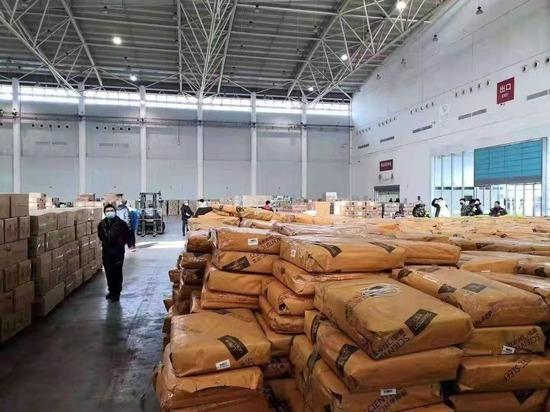 中国武漢市漢陽の倉庫EPoKptFU4AEsg60.jpg