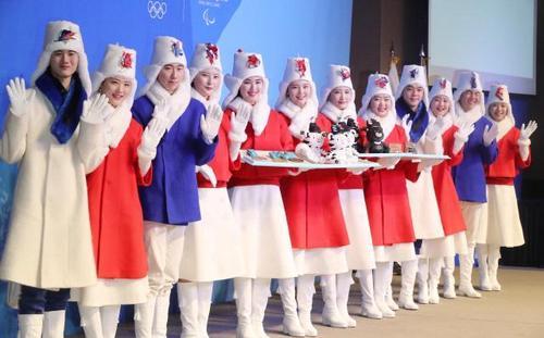 平昌オリンピック衣装2_YA_PG_20171228_01000564000025181.jpg