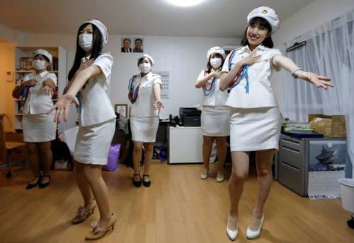 日本の北朝鮮ファンクラブ先軍女子1.jpg