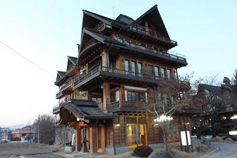 日本風ホテル0.jpg