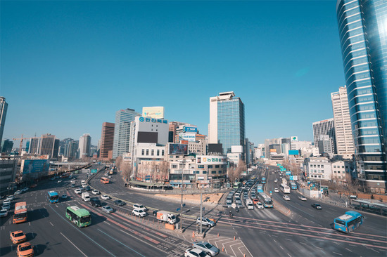 Lovepik_com-500895441-streetscape-in-seoul-south-korea_.jpg