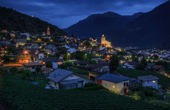 Lovepik_com-500898264-night-scenery-in-the-mountainous-countryside-of-switzerland_.jpg