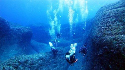 a_yonaguni-island-diving-02_R.jpg