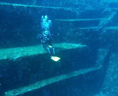 b_yonaguni-island-diving-013_R.jpg