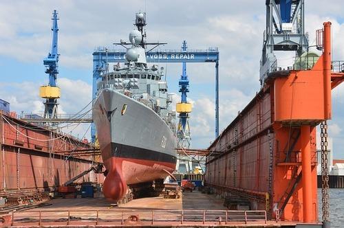 shipyard-1555877_640.jpg