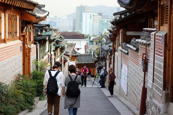 Lovepik_com-501146802-hanwu-village-seoul-korea_.jpg